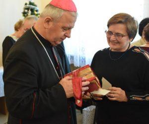 Spotkanie Opłatkowe wolontariuszy PZC z Biskupem Janem Piotrowskim