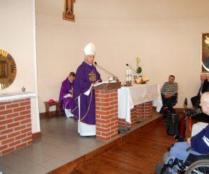 W Piekoszowie bp Marian Florczyk modlił się o zatrzymanie epidemii koronawirusa