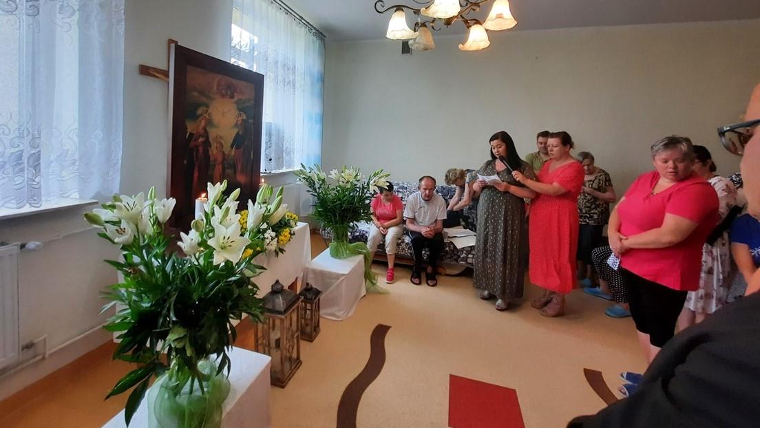 You are currently viewing Peregrynacja Obrazu Św. Józefa w Zespole Placówek Caritas w Świniarach